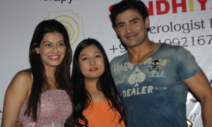 "Aarti Vijay Gupta""s Fashion Show at Volare Lounge"
