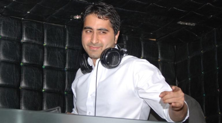 Remix Badshah DJ Khushi – a hit with Katz, SRK and Shahid!