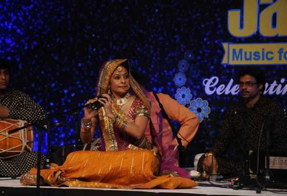 Idea Jalsa Holi, 100 million viewers