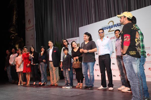 Sajid Nadiadwala's Housefull 2 premiered at Sentosa Island,Singapore