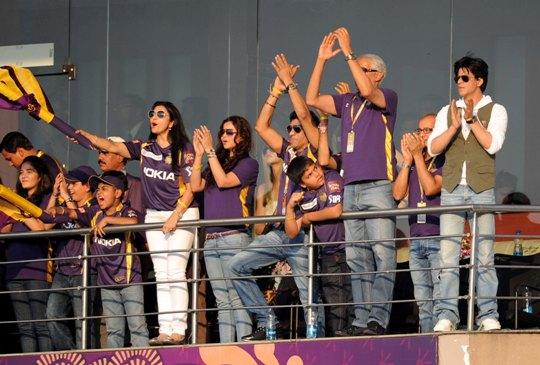 Model-turned actor Konkana Bakshi spotted cheering !