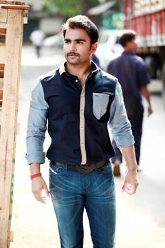 Sachiin Joshi goes the Aamir Khan way for Mumbai Mirror!