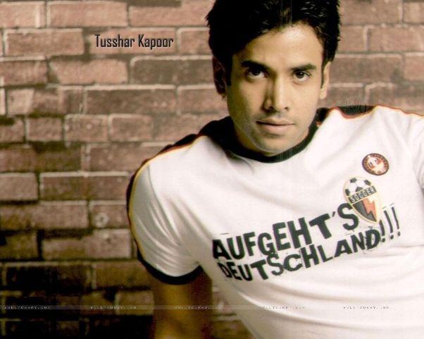 Tusshar Kapoor takes off on telemarketing commercials in Kya Super Kool Hai Hum.