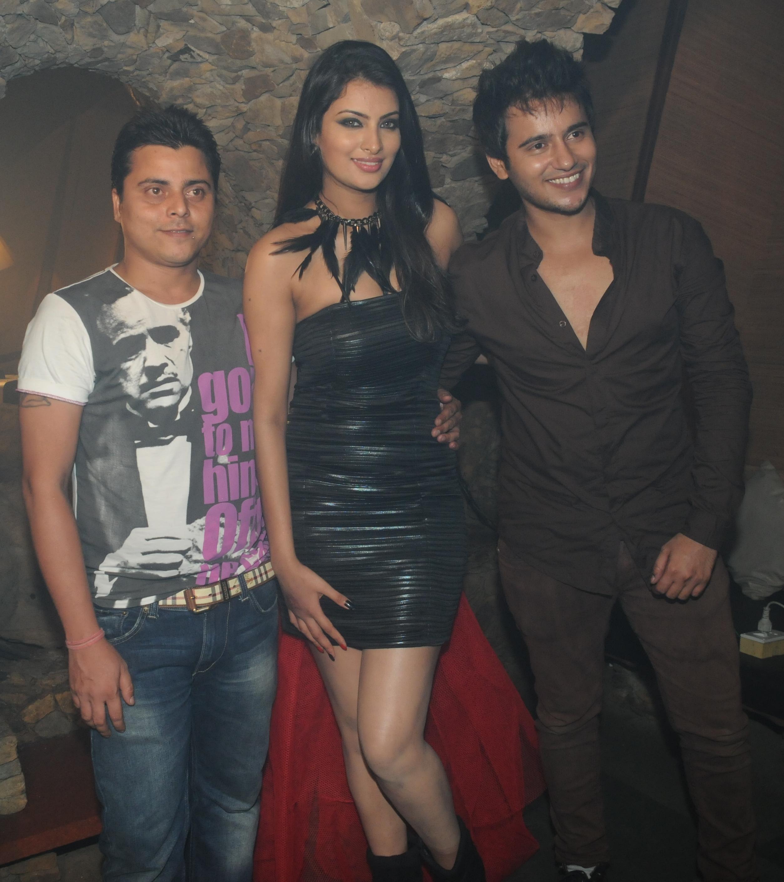 Designer Manish Ranjan's designs and Actor aditya rajput singh shoots for Sayali Bhagat a great Photo Shoot