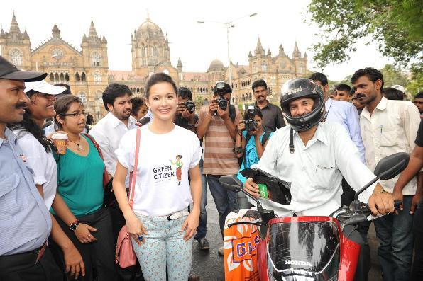 Actress Isha Sharvani supports Hanjer's 'Keep City Clean & Green' initiative for motorists on World Environment Day