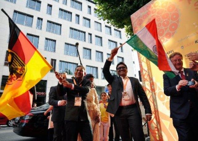 After Busan, LA & New York Imtiaz Ali's Presentation 'DEKH INDIAN CIRCUS' roars in Germany!
