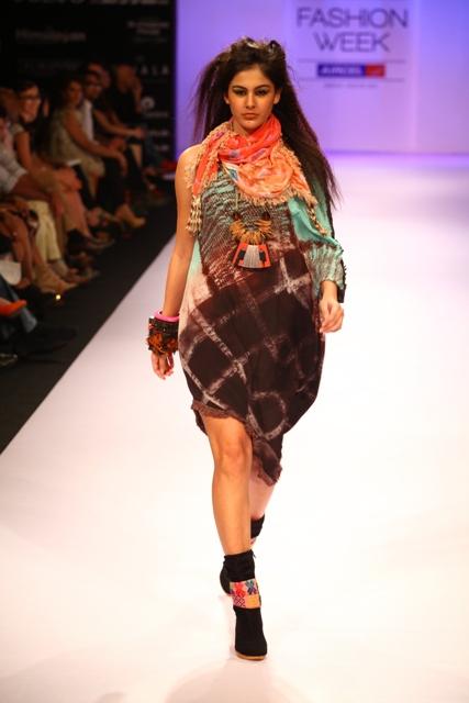 Babita Malkani and Drashta Sarvaiya Added Style and Glamour to their Collections for Lakmé Fashion Week Winter/Festive 2012