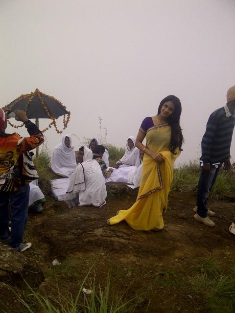 Rains make Parul romantic !