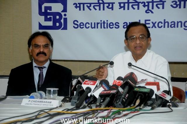Chidambaram confident of building consensus on 49% FDI in Insurance sector