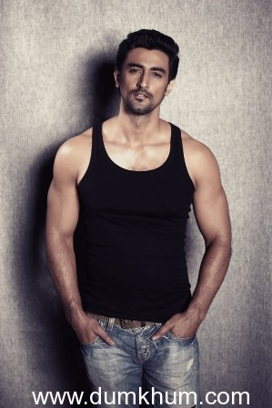 Kunal Kapoor gets back to his roots