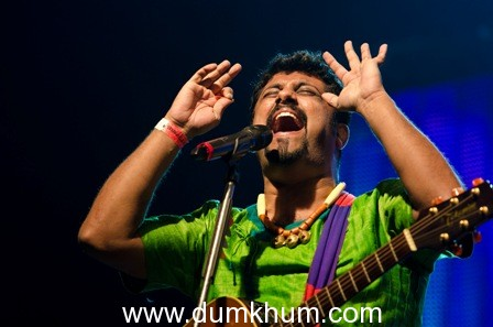 Enjoy the 2nd edition of 'Canvas Live' with the rustic voice of Raghu Dixit on 18th October, 2012