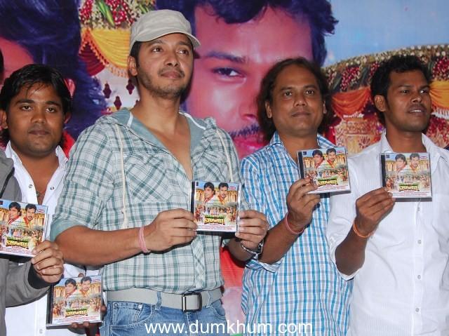 "Shreyas Talpade Releases   Music video ""HOGI SALMAN KI SHAADI"""