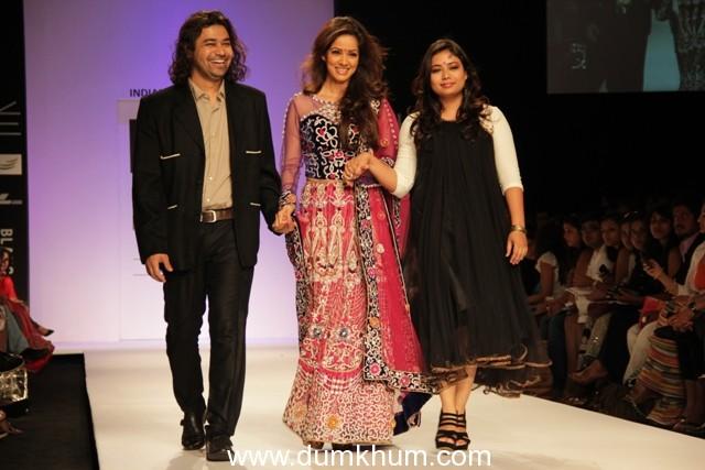 Actor Vidya Malavde glitters at Lakme Fashion Week 2013 for Award Winning Designer Duo Farah & Firdos