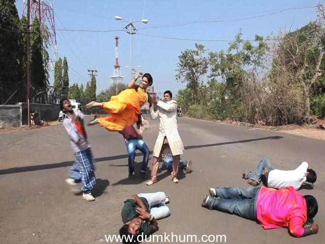 Kranti Redkar does a spoof on Salman's Wanted action stunt in KUNI GHAR DETA KA GHAR