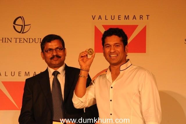'Bullion' Tribute to the Master Blaster Valuemart unveils limited edition Sachin Tendulkar Gold Coins