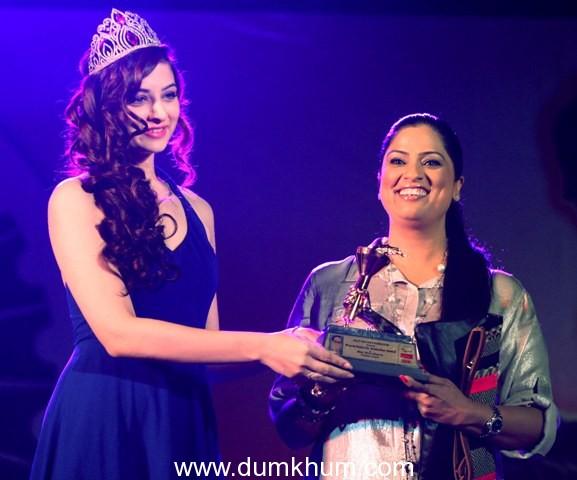 Bollywood came at 3rd Bharat Ratna Dr.Ambedkar Awards at Bhaidas Hall,Juhu