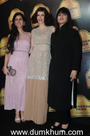 NEETA LULLA RECREATES FLIRTY ERA OF 20'S AND 30'S AT THE BLENDERS PRIDE FASHION TOUR 2013- GRAND FINALE