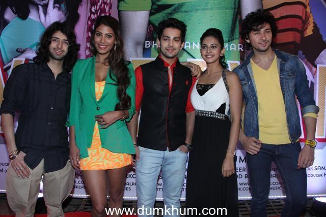 Yaariyan Cast Yaariyan team celebrat...
