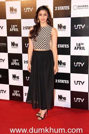 Alia Bhatt costumes in 2 states change through the film.