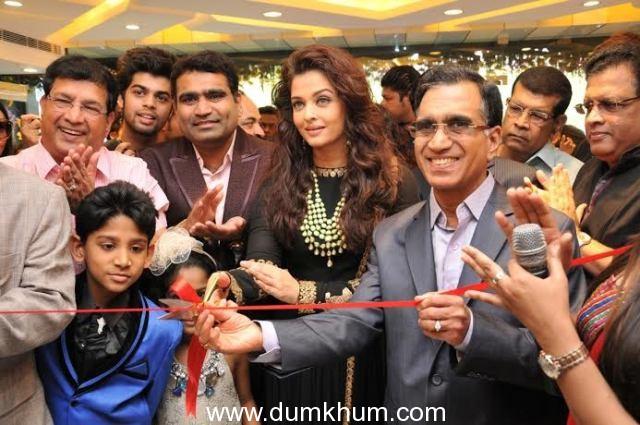Kalyan Jewellers enters Delhi with a bang Opens three showrooms in the city  Ms. Aishwariya Rai Bachchan inaugurates the showrooms