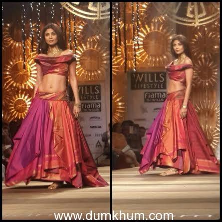 Shilpa Shetty dazzles for Dishkiyaoon at Wills Lifestyle India Fashion Week