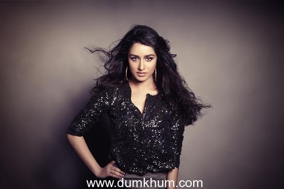 Shraddha Kapoor's singing debut creates a social buzz all around !