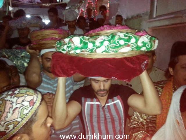 Emraan Hashmi Visits Ajmer Sharif to Seek Blessing for Raja Natwarlal.