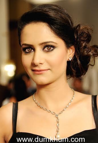 Indra Kumar To Re-Launch Daughter Shweta Kumar In 'Super Nani'