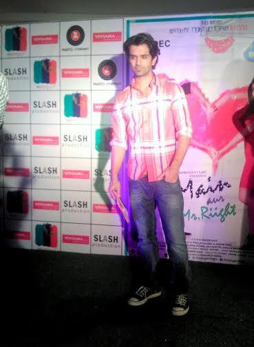 'Main Aur Mr Riight' Takes Mumbai by Storm