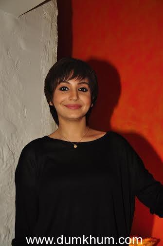 Anushka Sharma calls Katrina Kaif her favorite actress !