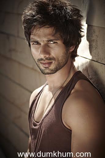 Shahid Kapoor to sport different colored hair streaks in Udta Punjab ?
