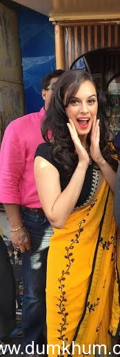 Evelyn Sharma enjoys paan in Bhopal