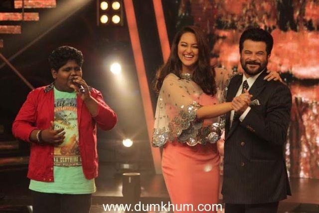 Anil Kapoor, John Abraham, Shruti Hassan, Sonakshi Sinha promote Welcome Back on Indian Idol Junior
