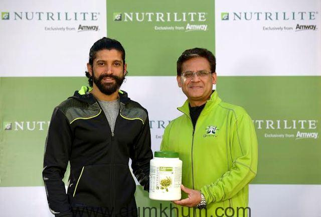 Anshu Budhraja, CEO - Amway India, along with Farhan Akhtar, Brand ambassador for the Nutrilite brand in India.