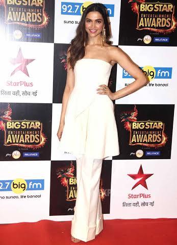 Deepika bags two awards for Piku.
