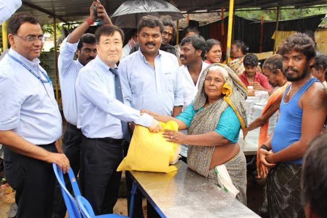 Hyundai Lends a Helping Hand