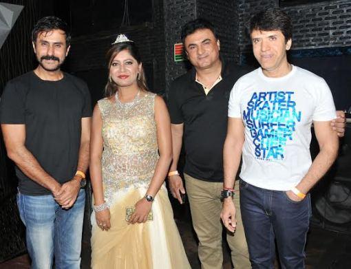 Jiten lalwani, Sejal Mandavia with Sooraj Thapar & Friend