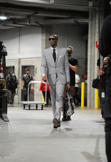 Los Angeles, CA- OCTOBER 28: Kobe Bryant #24 of the Los Angeles Lakers arrives before the game against the Houston Rockets on October 28, 2014 at the Staples Center in Los Angeles, California. NOTE TO USER: User expressly acknowledges and agrees that, by downloading and or using this Photograph, user is consenting to the terms and conditions of the Getty Images License Agreement. Mandatory Copyright Notice: Copyright 2014 NBAE (Photo by Bill Baptist/NBAE via Getty Images)