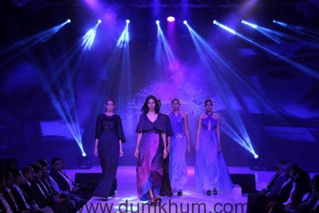 Models at fashion show