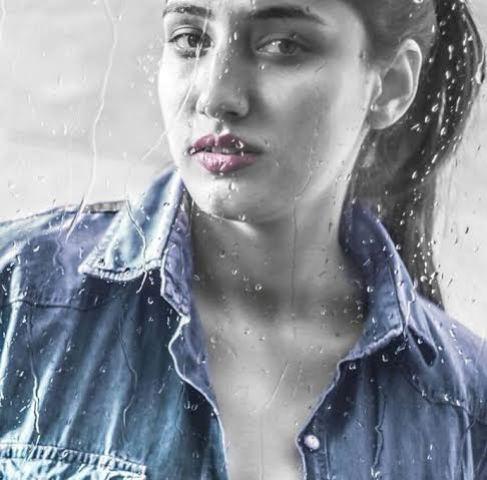 Nadia Sheikh 02.