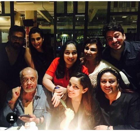Nidhi Dutta celebrated birthday with Athiya Shetty and the girl gang2
