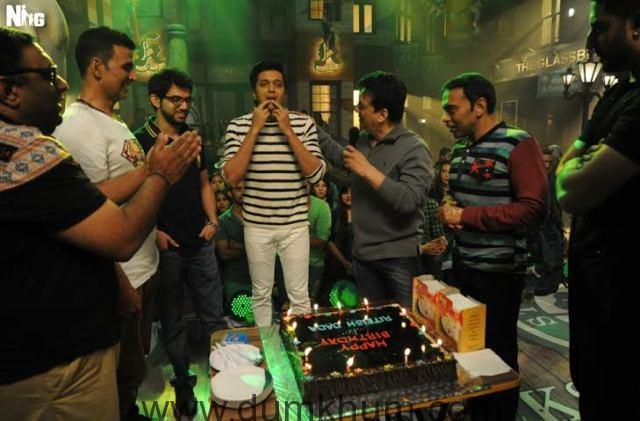 Riteish Deshmukh's birthday celebration on the sets of Housefull 3