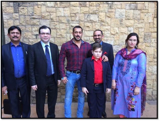 Salmaan Khan meeting Abdul Bashit and mother with Dr Subash Gupta and Dr Anupam Sibal in Mumbai.