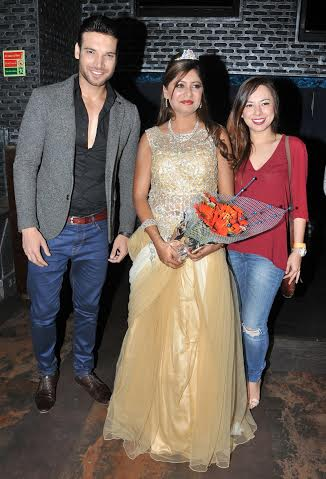 Sejal Mandavia with Vikas Verma and Friend