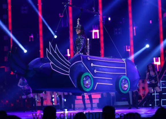 Sonakshi Sinha performs at Renault Sony Guild Film Awards2.