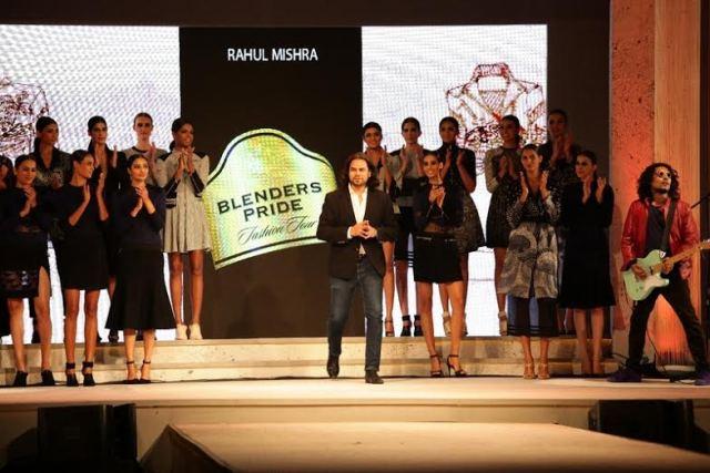 Style Blender Jonty Rhodes at Blenders Pride Fashion Tour 2015 in Mumbai-