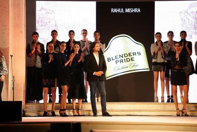 Style Blender Jonty Rhodes at Blenders Pride Fashion Tour 2015 in Mumbai