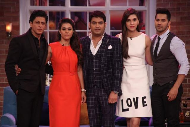 Team Dilwale on the sets of Comedy Nights With Kapil (13)