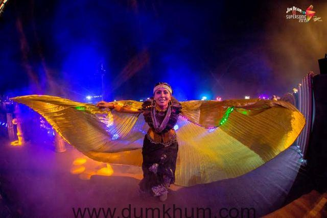 Vh1 Supersonic delivers upon its promise to give YOU the best in dance music!-2