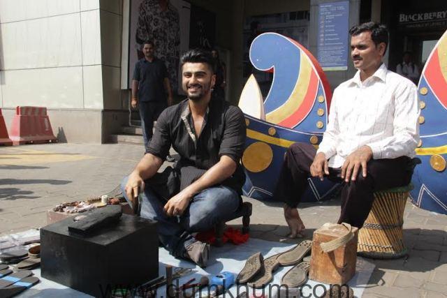 Arjun Kapoor turns shoe polisher for Mission Sapne